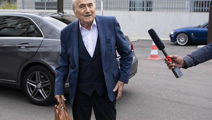 Sepp Blatter erscheint am Dienstag zur Anhörung bei der Bundesanwaltschaft in Bern.