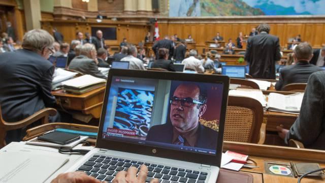 Der Nationalrat debattiert über das Radio- und Fernsehgesetz