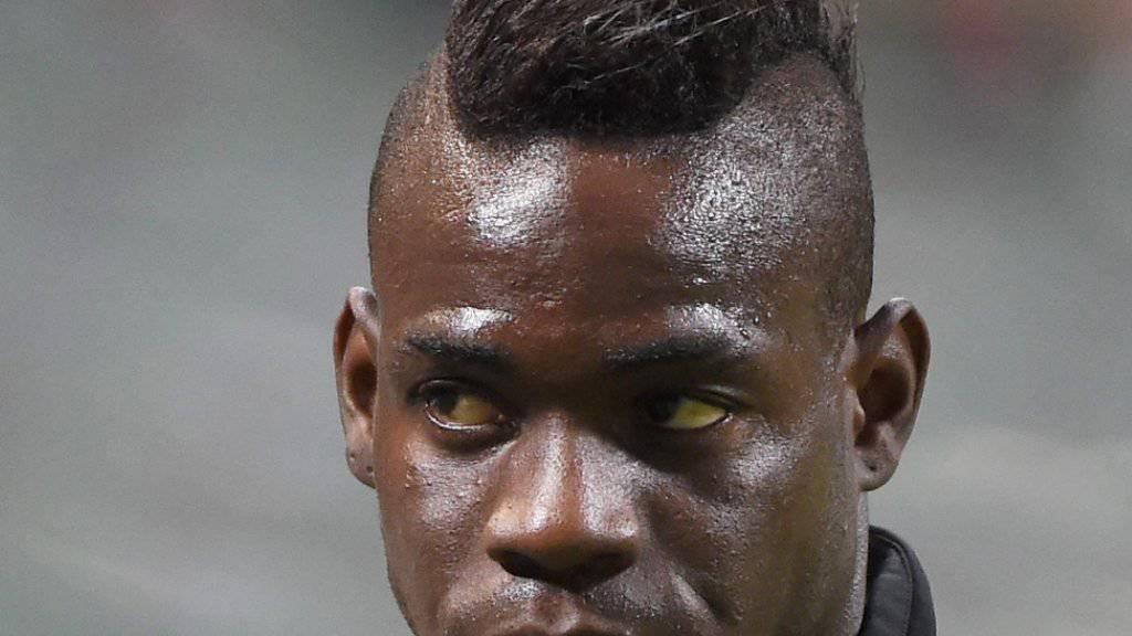 Milan's Mario Balotelli blickt einem Operationstermin entgegen