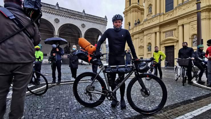 In München begann das Abenteuer von Jonas Deichmann am 26.September 2020.