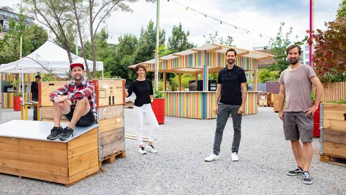 Michi Künzli, Evelyne Schoffe, Martin Tschumi und Thomas Eberle (von links) gehören zum Öufi-Summer Team.