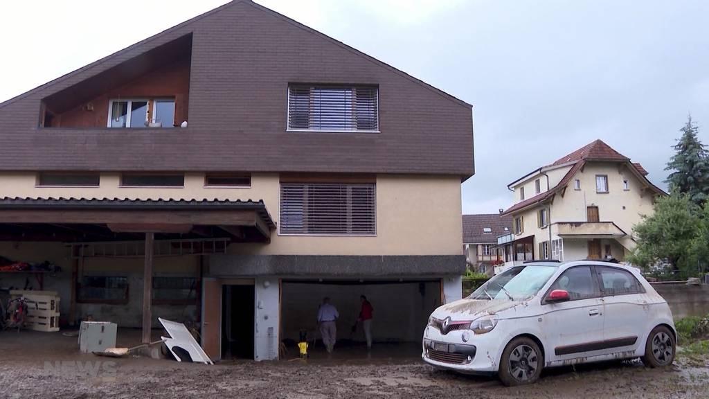 Aufräumarbeiten in der Gemeinde Rüegsau: Keller und Tiefgaragen stehen unter Wasser