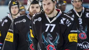 Hängende Gesichter bei Fribourgs Spielern nach dem 2:5 gegen Lugano