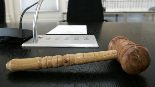 Der 42-Jährige wird vom Strafgericht für Sex mit Minderjährigen verurteilt. (Symbolbild)