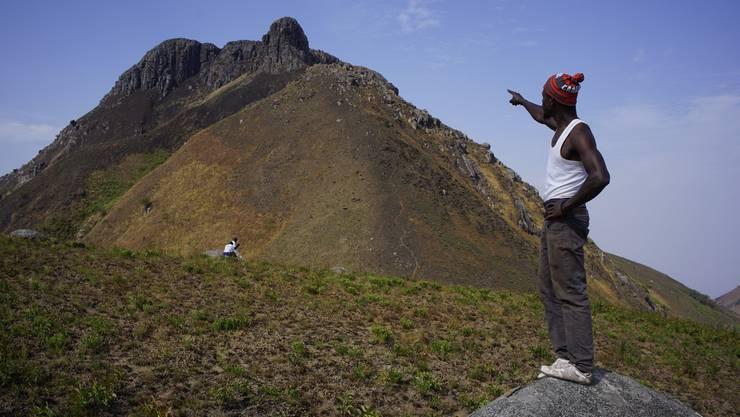 Das letzte Stück bis zum Gipfel des Mount Bintumani hat es in sich. Doch die Aussicht dort oben ist grandios.
