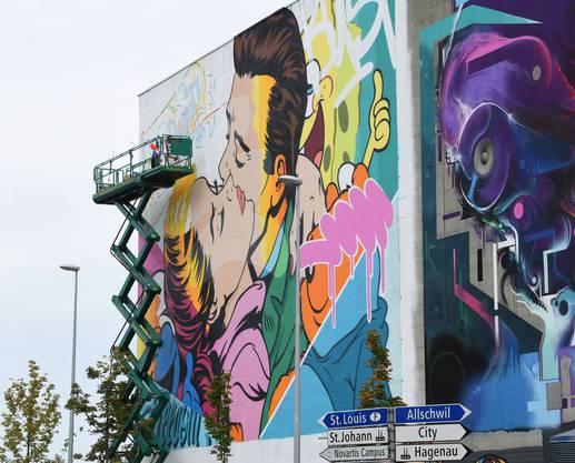 Der Basler Graffiti-Pop-Künstler Bustart mit seinem Markenzeichen: Stilmix aus Cartoons, Graffiti und Pop Art.