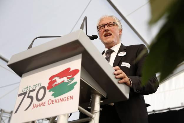 Regierungsrat Peter Gomm bei seiner Ansprache zu 750 Jahre Oekingen im Jahr 2013