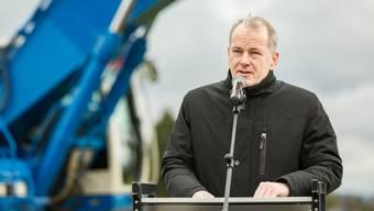 Das macht mehr Freude: Baudirektor Stephan Attiger im April beim Baubeginn für den A1-Zubringer Knoten Neuhof in Lenzburg.