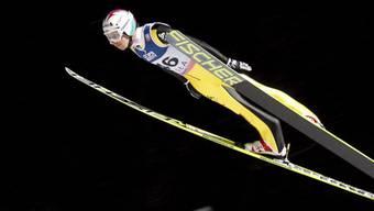 Simon Ammann verbesserte sich im 2. Durchgang um vier Plätze.