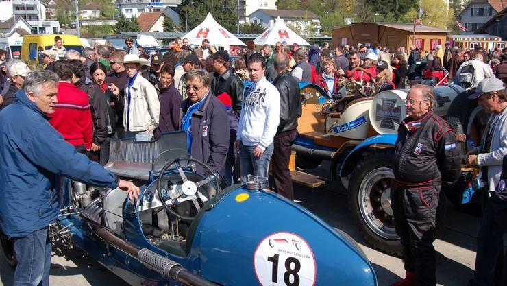 Am GP Mutschellen können die Besucher die Rennwagen aus nächster Nähe betrachten
