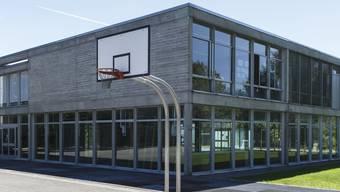 Das 47 Jahre alte Schulhaus soll saniert werden.