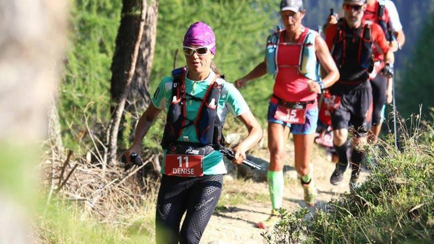 Denise Zimmermann wird am Swiss Iron Trail 2016 in Davos Zweite.