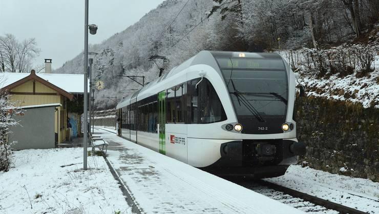 Scheitern die Gemeinden mit ihrem Widerstand, fährt das Läufelfingerli – hier am Bahnhof Rümlingen – ab 2017 nach 20 Uhr nicht mehr.