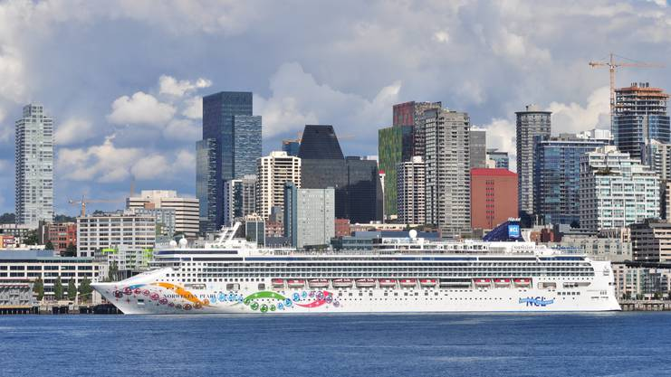 Die «Norwegian Breakaway» im Hafen von Seattle, Washington.