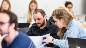 Salam Isakov besuchte als Schnupperstudent Vorlesungen an der Uni.