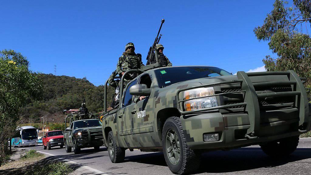 Die mexikanische Polizei macht im Bundesstaat Sinaloa einen grausigen Fund: Neben 13 Getöteten liegen Handgranaten und Patronenhülsen. (Symbolbild)