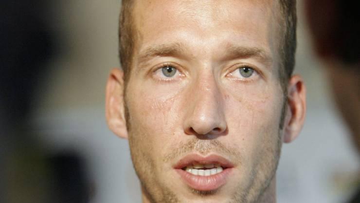 Kaiserslautern-Trainer Jeff Strasser musste notfallmässig ins Spital