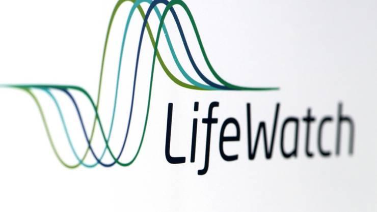 Aevis Victoria zieht ihr Übernahmeangebot an Lifewatch zurück. Das Zuger Medizinaltechnikunternehmen wird wohl amerikanisch: Der US-Konzern Biotelemetry hat nicht nur den Preis verbessert, sondern auch die Angebotsfrist verlängert.