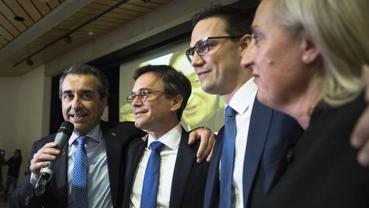 Christian Vitta, zweiter von links, wiedergewählter Staatsrat der FDP Tessin, zusammen mit den Tessiner FDP-Politikern Bixio Caprara, Alex Farinelli und Cristina Maderni.