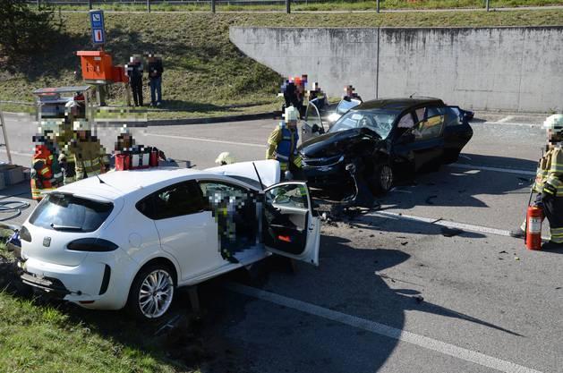 Beim Unfall wurden insgesamt sechs Personen teilweise schwer verletzt.