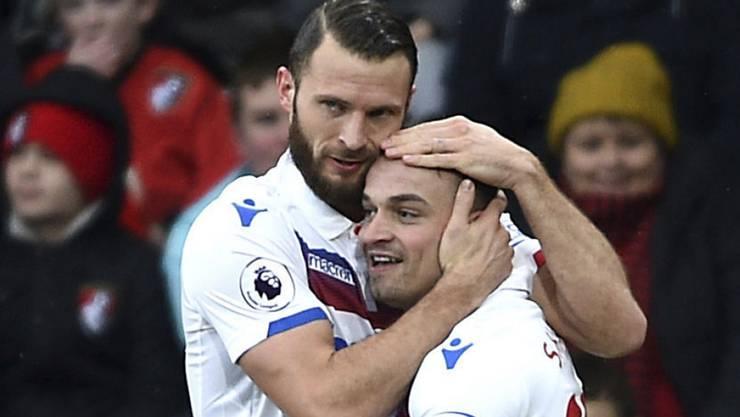 """Xherdan Shaqiri (rechts) fühlt sich in England geschätzt: Der Schweizer Fussballer glaubt, in der Premier League seine sportliche Heimat gefunden zu haben - """"hier gehöre ich hin"""". (Archivbild)"""