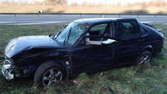 Auto fliegt rund 30 Meter durch die Luft – Fahrer schwer verletzt