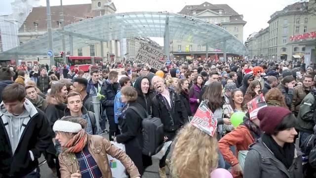 Demo gegen Mediamarkt-Eröffnung