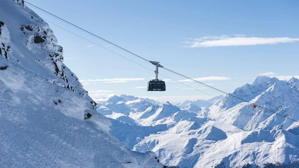 Der Verband Seilbahnen Schweiz will diesen Winter trotz Coronapandemie keine Platzeinschränkungen in den Gondeln. (Symbolbild)