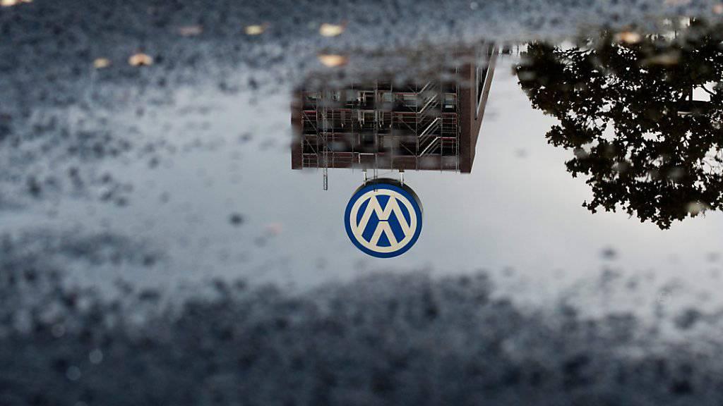 Der Abgas-Skandal wird VW noch lange beschäftigen. Zahlreiche Grossanleger klagen fordern vor Gericht Schadesersatz. Sie argumentieren: VW ist seiner Auskunftspflicht ihnen gegenüber nicht nachgekommen.