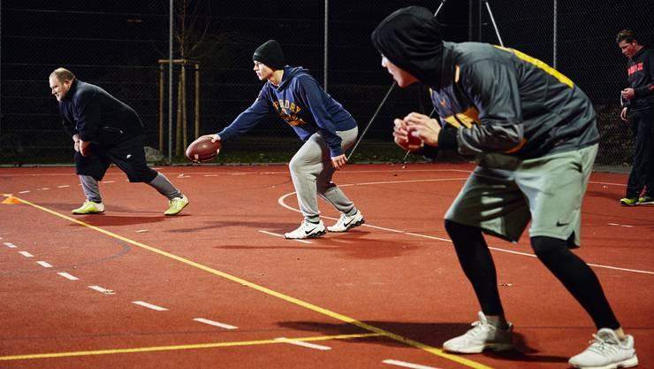 Die Zofingen Cheetahs erlernen die Grundlagen des American Footballs.