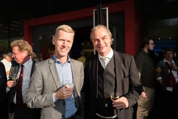 Auch die beiden Kantonsräte Andreas Geistlich (FDP, Schlieren) und Roger Liebi (SVP, Zürich) waren unter den Anstossenden anzutreffen.