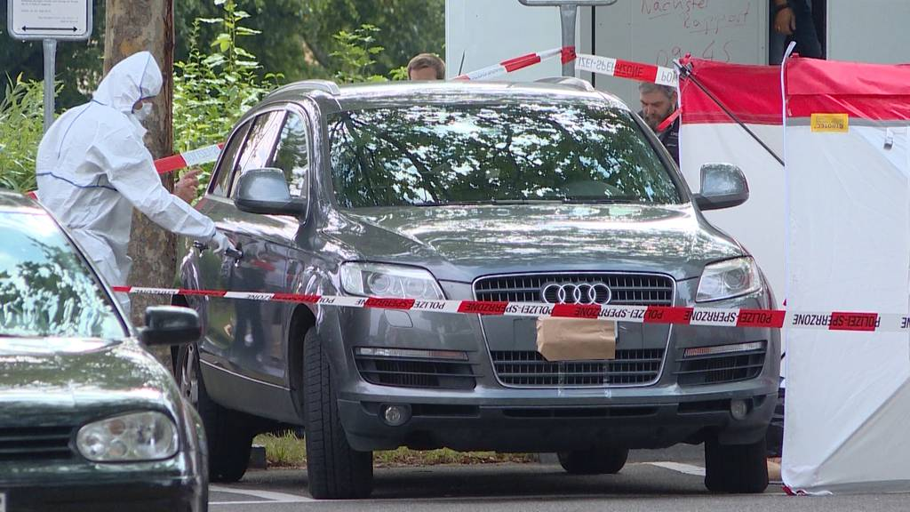 Tötungsdelikt vermutet: Leiche in Auto in Schwamendingen entdeckt