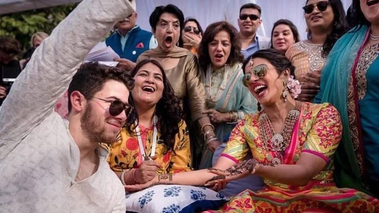 Priyanka Chopra und Nick Jonas bei einer Mehndi-Zeremonie am Tag vor ihrer Hochzeit in Jodhpur.