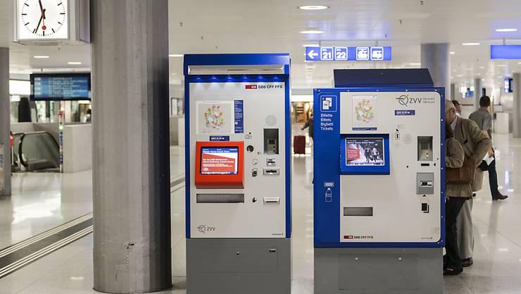 Der Kauf des korrekten ÖV-Tickets soll einfacher werden. Zum Beispiel mit Tablet-Automaten statt den gewöhnlichen Billett-Automaten. (Symbolbild)
