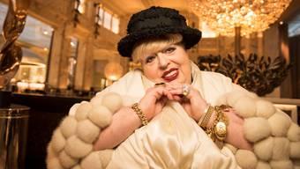 Eine Wiener Puffmutter erzählt pikante Geschichten. Bei Madame Nina verkehrten die Reichen und Mächtigen.