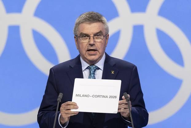 IOC-Präsident Thomas Bach mit dem Entscheid.