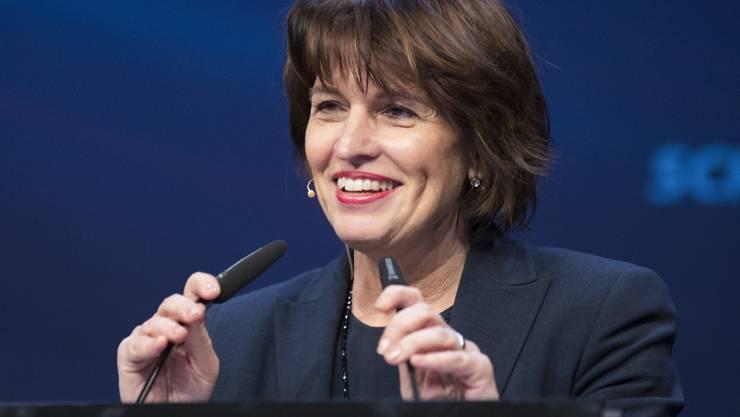 """Energieministerin Doris Leuthard ruft die """"Strombarone"""" dazu auf, sich dem Wandel zu stellen."""
