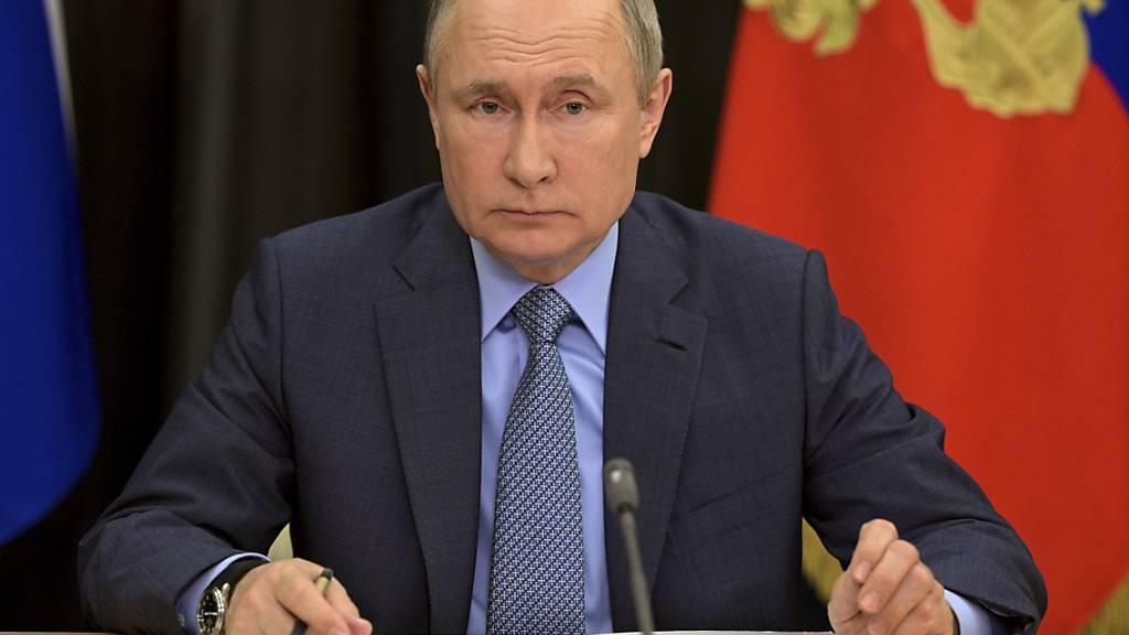 ARCHIV - Wladimir Putin, Präsident von Russland, während einer Videokonferenz in seiner Residenz Botscharow Rutschej. Foto: Alexei Druzhinin/Pool Sputnik Kremlin/AP/dpa