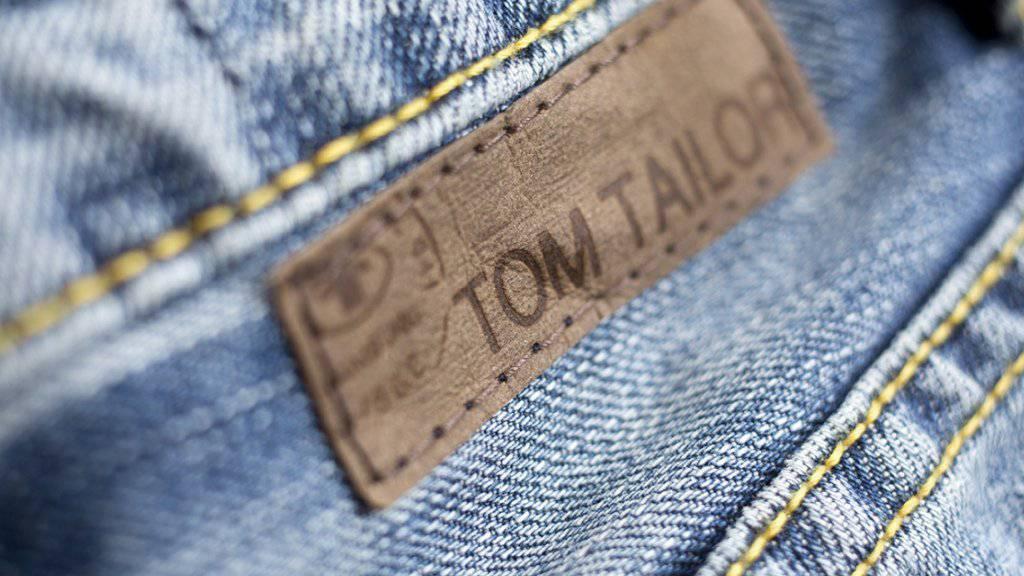 Der Expansionskurs der vergangenen Jahre hat die Modekette Tom Tailor in die Verlustzone geführt. Das neue Management räumt nun gründlich auf.