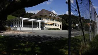 Das Schulhaus Aetingen wird umgebaut.