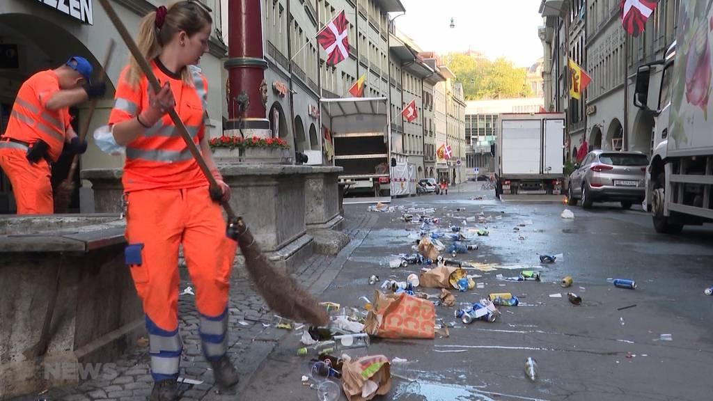 Grosser Müllberg nach grossem Fussball-Frust