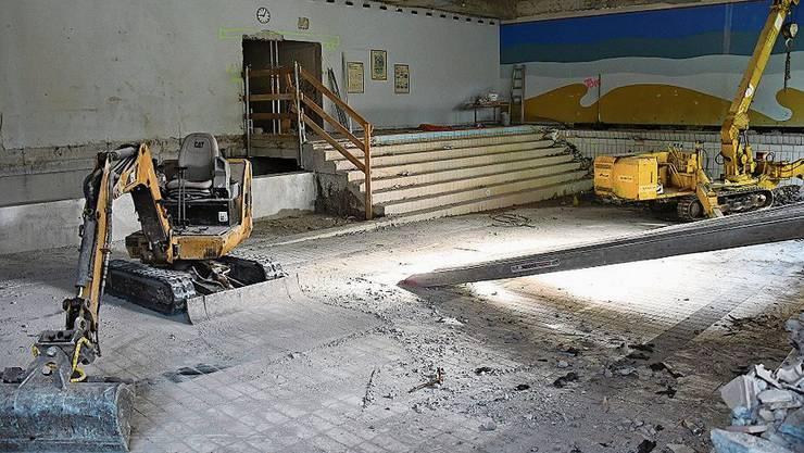 Das ehemalige Lehrschwimmbecken wird umgebaut.