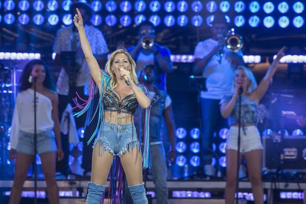 Im Rahmen ihrer Stadion-Tournee mache sie einen Halt in Basel.