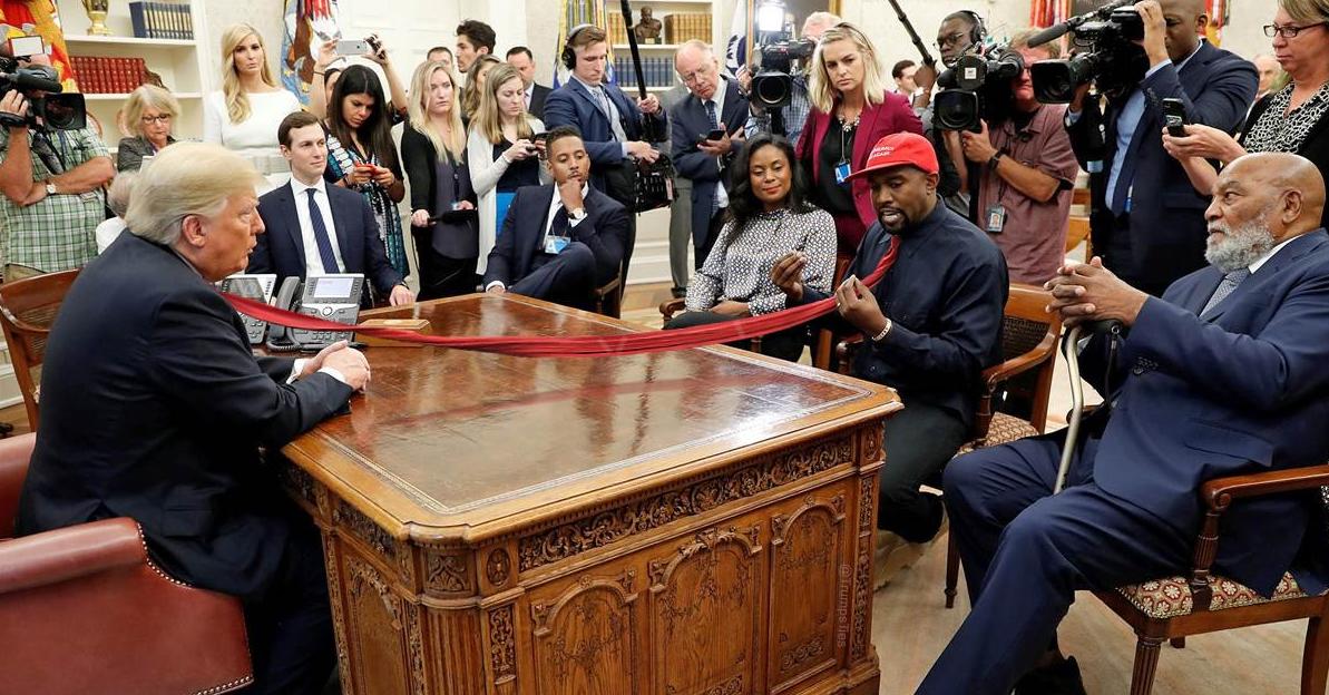 2019-02-21 10_57_46-Trump's Ties (@TrumpsTies) _ Twitter