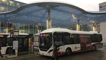 Bus am Bahnhof Aarau. (Symbolbild)