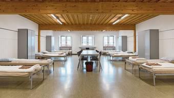 In einem solchen Schlafsaal in der Kaserne Aarau könnten Corona-Patienten isoliert werden.