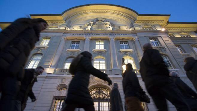 Die Nationalbank steht nach der Zinssenkung der US-Notenbank und dem Handelsstreit zwischen China und den USA unter Druck.