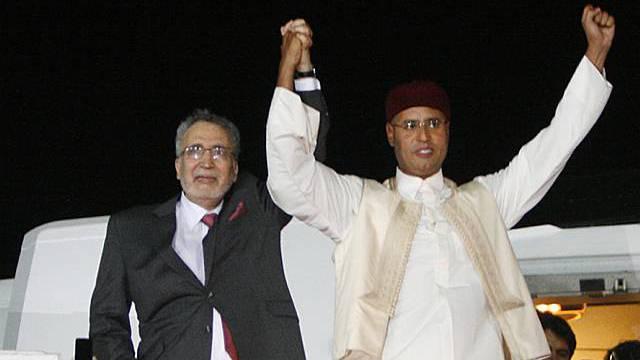 In seiner Heimat wird Abdel Basset Ali al-Megrahi (l.) als Held gefeiert (Archiv)
