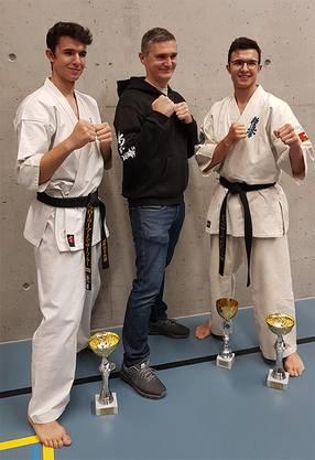 v.l.n.r Florian Zurfluh, Trainer Roland Juric und Simon Zurfluh