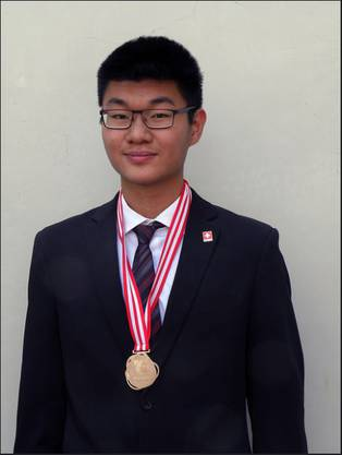 Physik-Ass Henning Zhang aus Villigen holte sich in Indonesien eine Bronzemedaille.